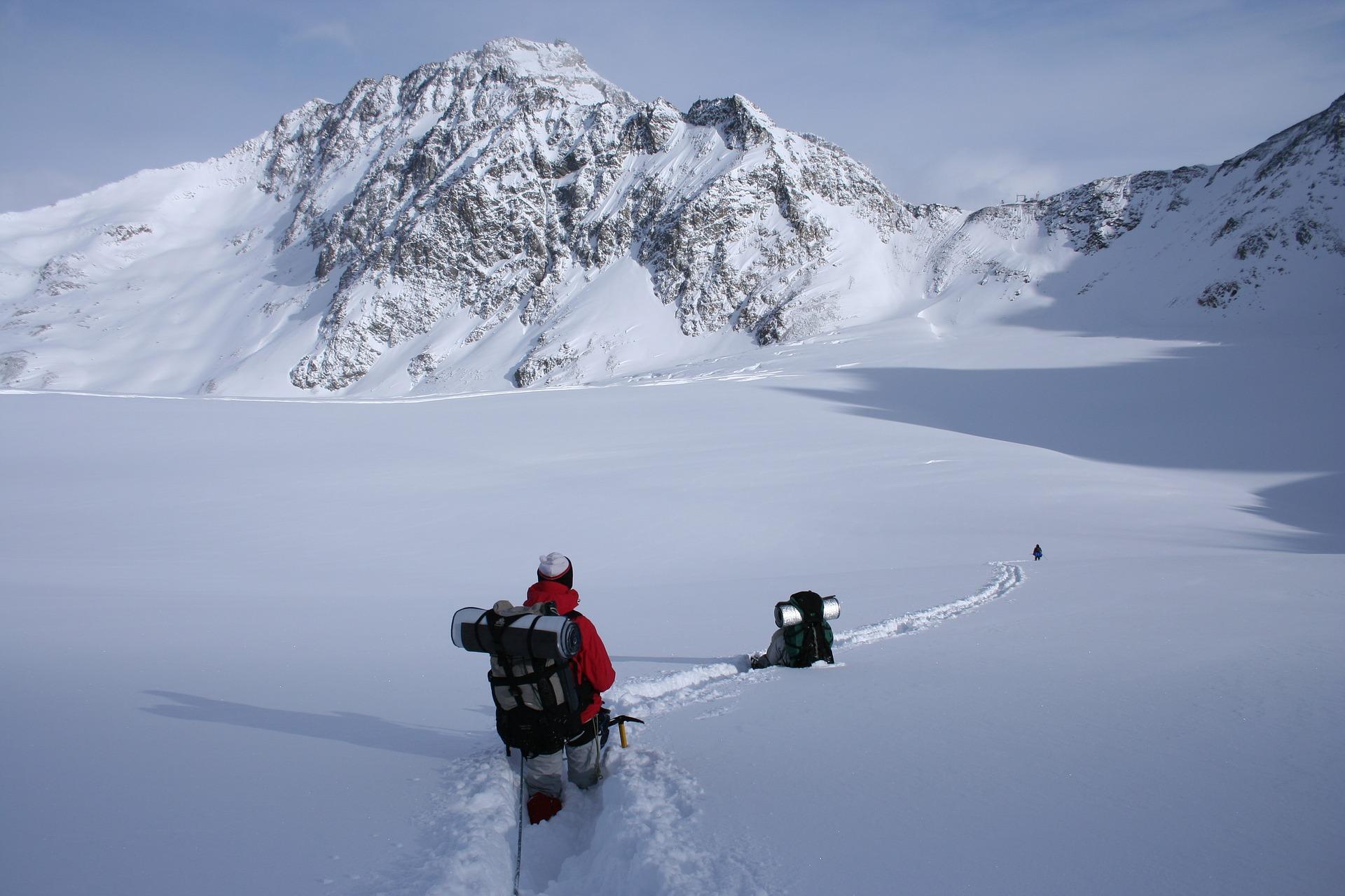 mountain hiking, snow suit, snow clothes, heavy snow